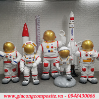 phi-hanh-gia-composite